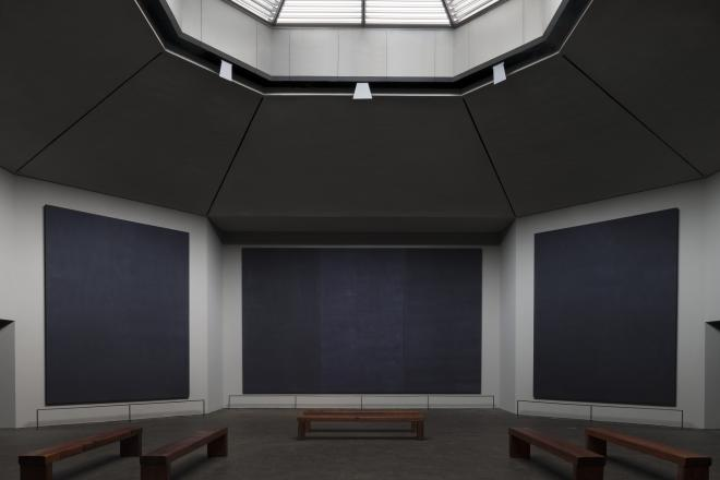 Rothko Chapel interior and benches. © Paul Hester.