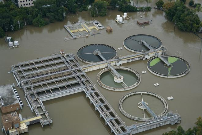 The Turkey Creek Wastewater Treatment Plant in Houston underwater during Hurricane Harvey. Via the Texas A&M Transportation Institute.