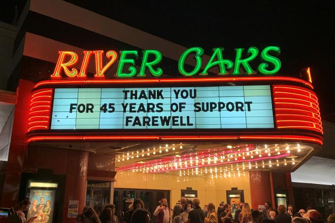 The marquee of the River Oaks Theatre on its final day of operation, March 25, 2021. Photo by David Welling.