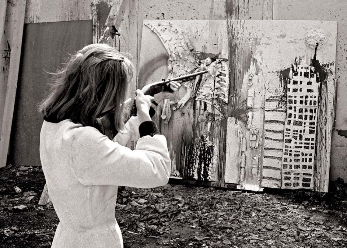 Niki de Saint Phalle during a shooting session at Impasse Ronsin, Paris, 1962. © André Morain.