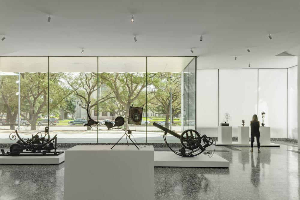 The Nancy and Rich Kinder Building at the Museum of Fine Arts, Houston, street-level gallery with works by Jean Tinguely. © Richard Barnes, courtesy of the Museum of Fine Arts, Houston.