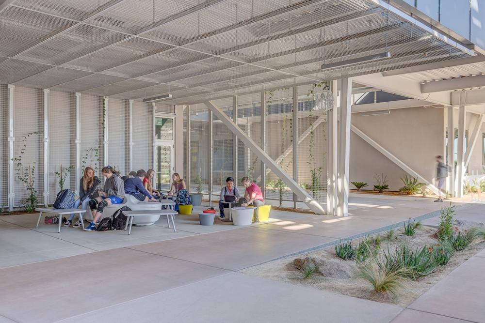 Outdoor learning environments allow learners to choose where they learn best at Canyon View High School. Canyon View High School outdoor classroom, 2018. Photo ©Tom Reich, courtesy DLR Group.