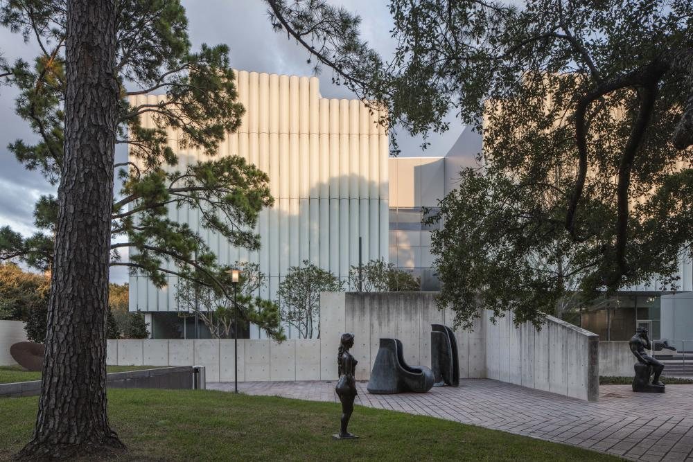 The Nancy and Rich Kinder Building as seen from the Museum of Fine Arts, Houston's sculpture garden. © Richard Barnes, courtesy of the Museum of Fine Arts, Houston.
