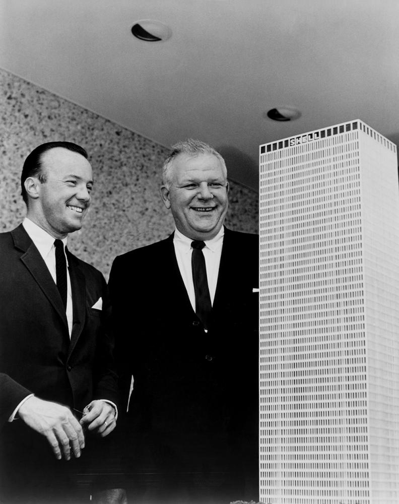 Gerald D. Hines and E.G. Christianson (Head of Shell's Houston operations at the time) with model of One Shell Plaza. Photo by Hines.