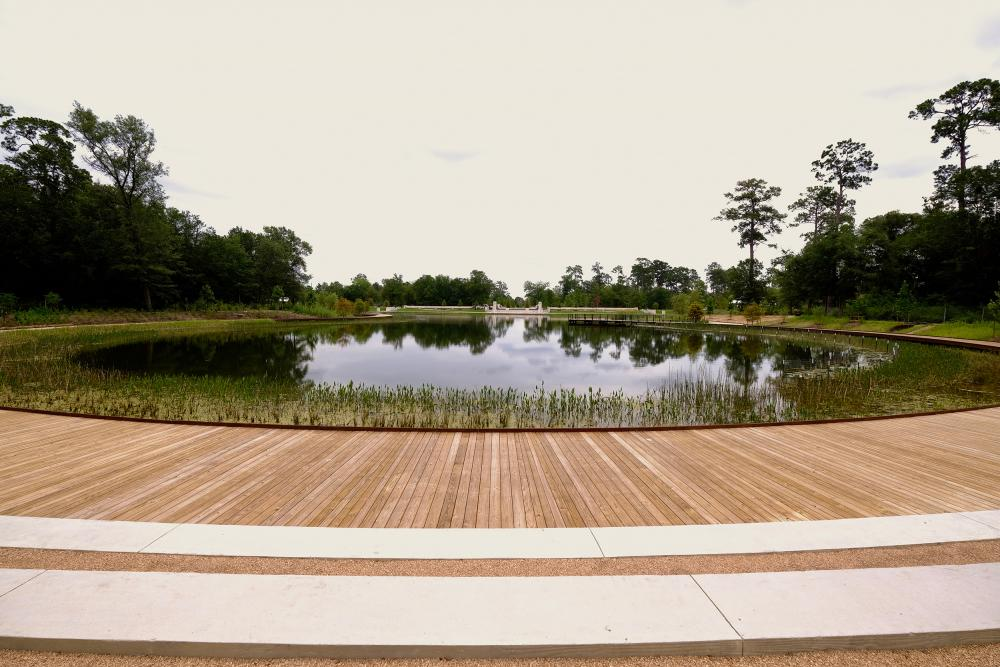 Boardwalk by Hines Lake. Courtesy Memorial Park Conservancy.