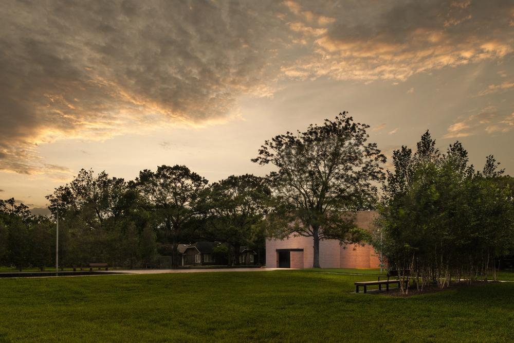 Rothko Chapel from new South Campus. © Paul Hester.