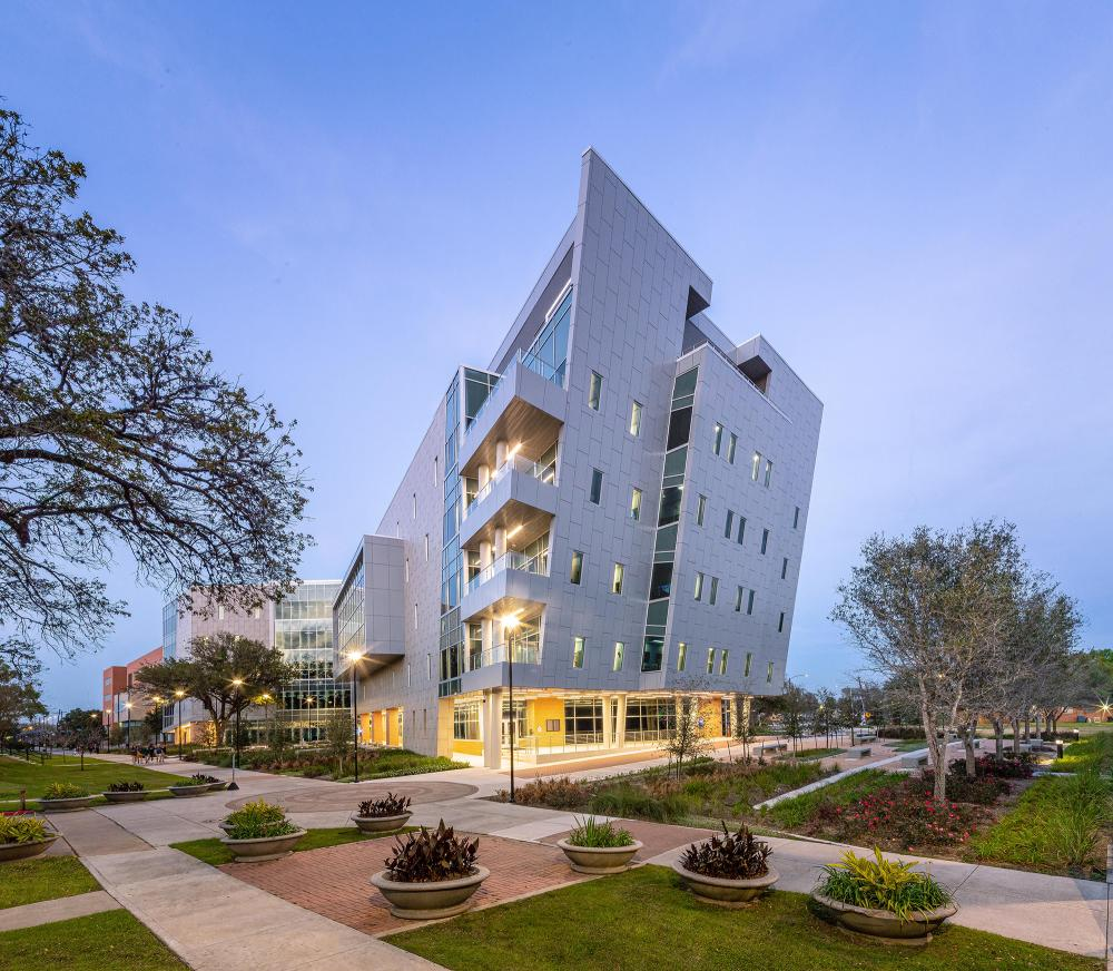 The Library Learning Center at Texas Southern University, designed by Moody Nolan. Photo by Sam Brown. Courtesy Moody Nolan.