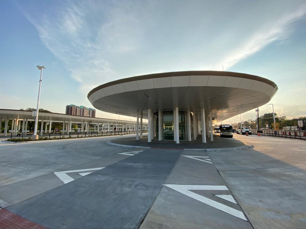 Northwest Transit Center, by HNTB. Photo by Christof Spieler.